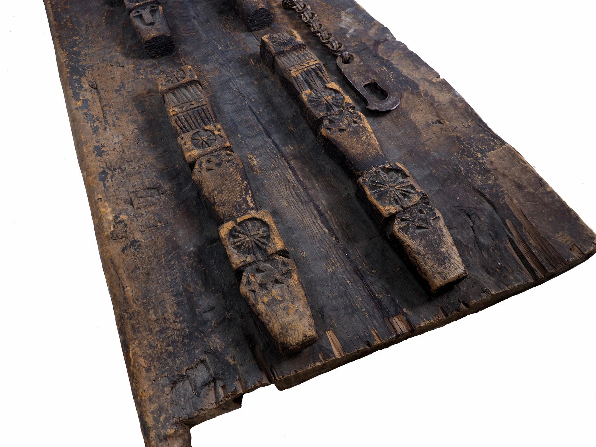 antik orient Massiv Holz Haustür Tür türplatte zimmertür Afghanistan Nuristan Pakistan Swat-Valley 19 Jh. Nr:19/A1