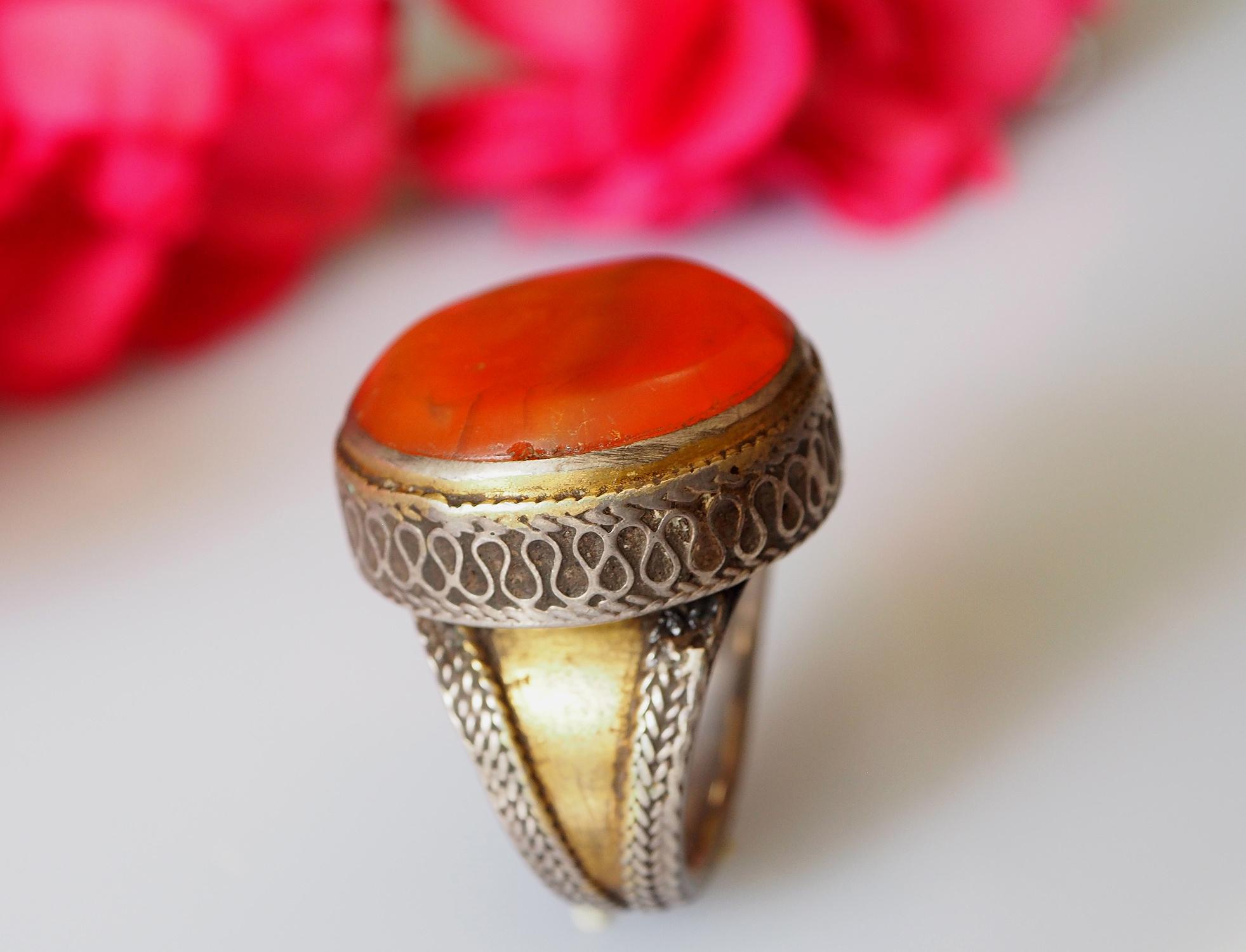 Turkmen cabochen Carnelian Ring  No: 471