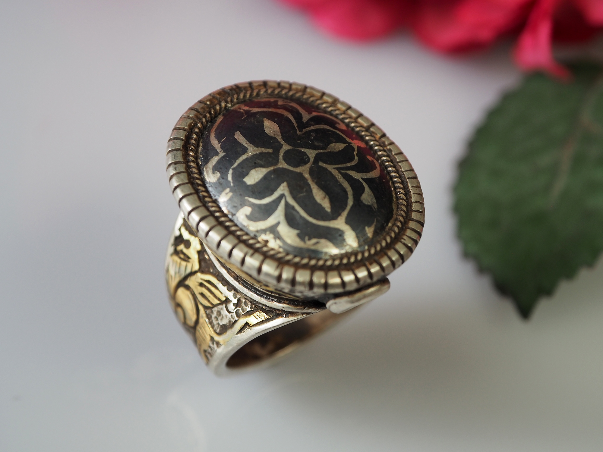 Turkmen Ring    Niello Tula Silver  No:478