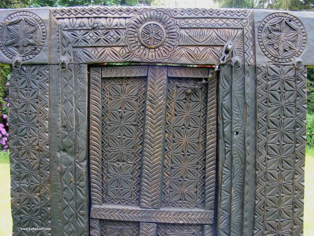 antik  tor Tür Nuristan
