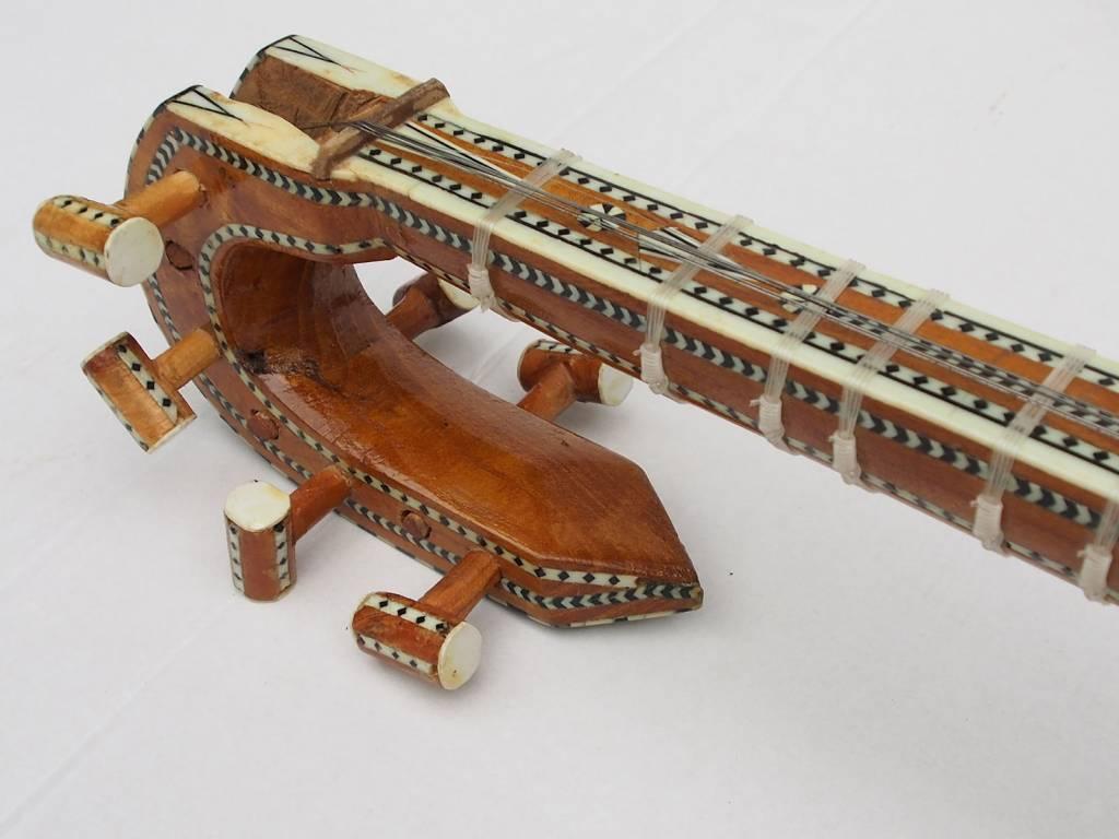 Xinjiang Uyghur Musical Instrument – Rawap  snakeskin
