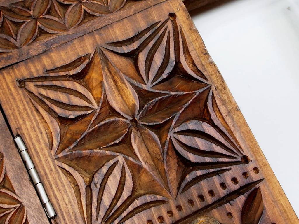 Holz Fenster Nuristan Nr:16/E