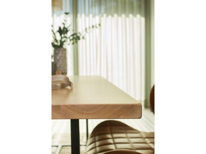 'Flackberg' table en chêne avec structure en acier
