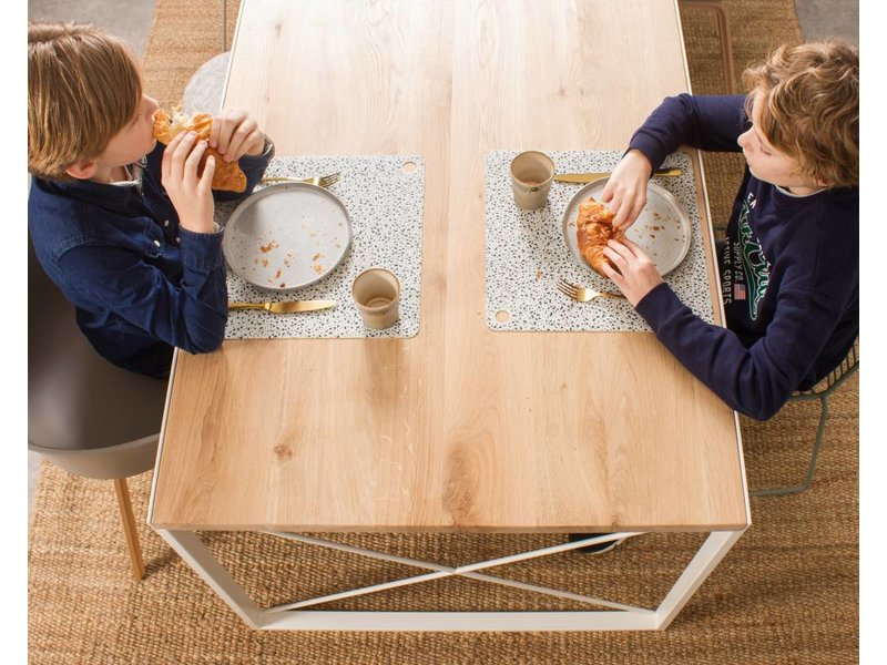 PURE wood design 'Horsens' tafel dik eikenhout ingelegd stalen frame kruis
