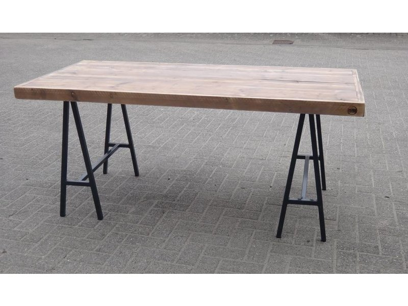 PURE wood design 'Lystrup' industriele tafel van steigerhout/schragen