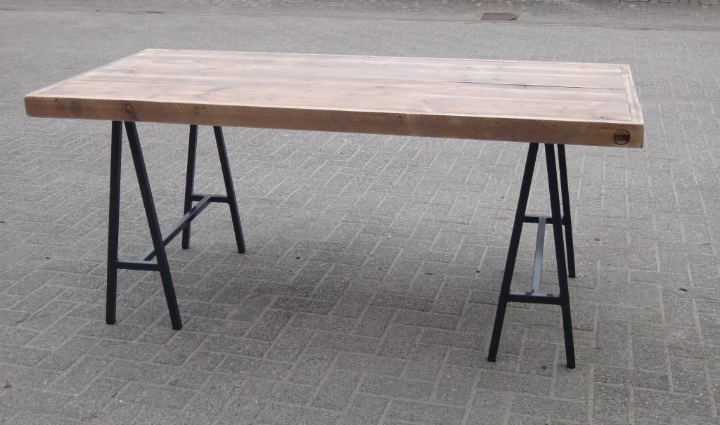 Steigerhouten Tafel Maken : Lystrup industriele tafel van steigerhout schragen pure wood design