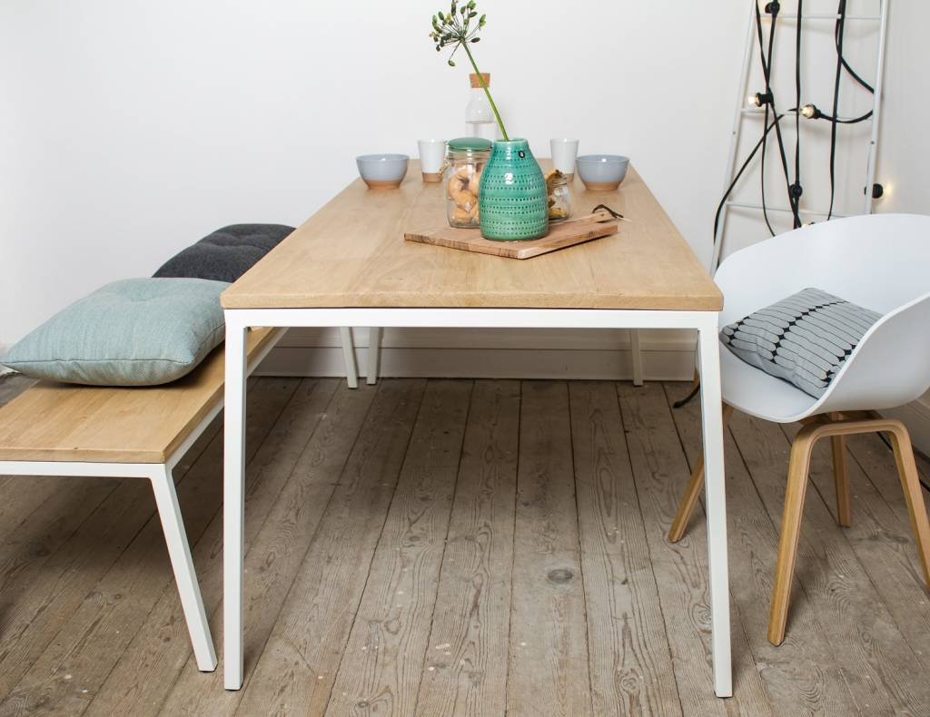 Tafel Wit Blad Houten Poten.Norberg Eiken Tafel Met Stalen Frame Schuin Pure Wood Design