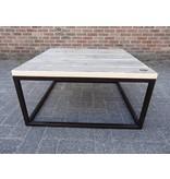 """PURE wood design """"Dalvik"""" Table basse en pin recyclé et acier brut"""