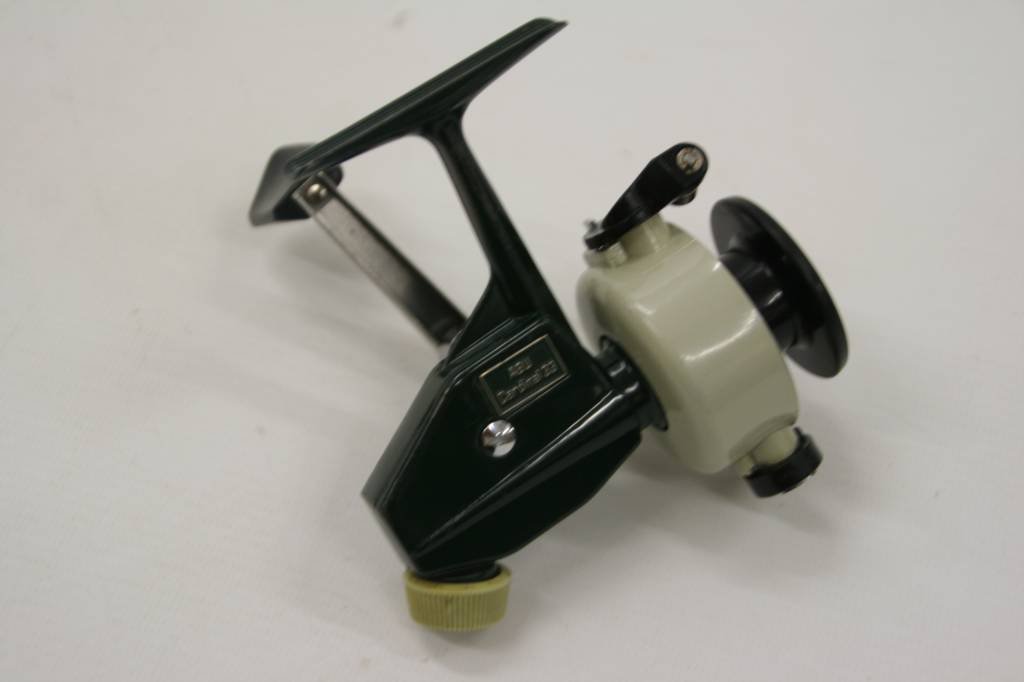 Classic & vintage spinning reels rear drag