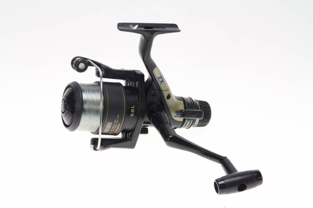 Coarse & match spinning reels with rear drag