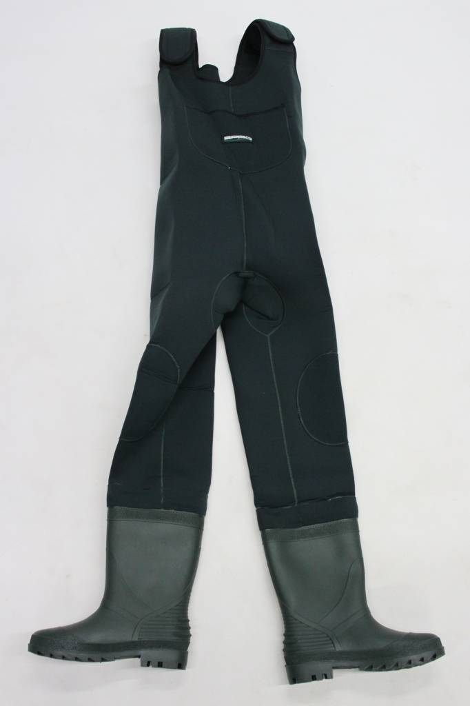 Hip & chest waders for predator fishing