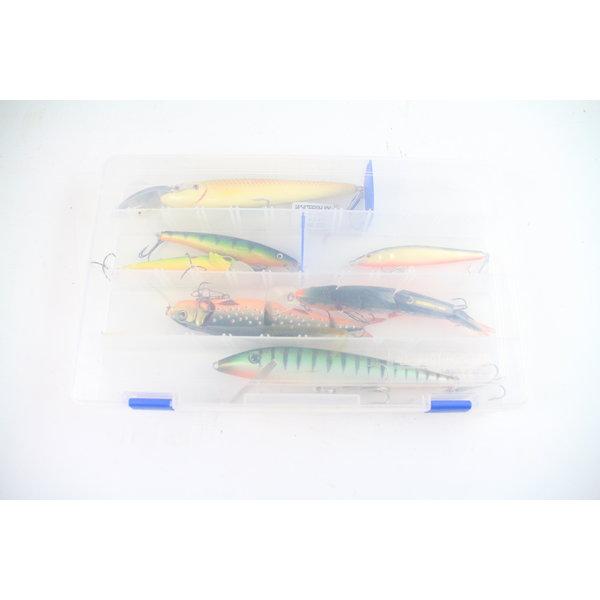 Flambeau tacklebox with 7 (medium) large lures