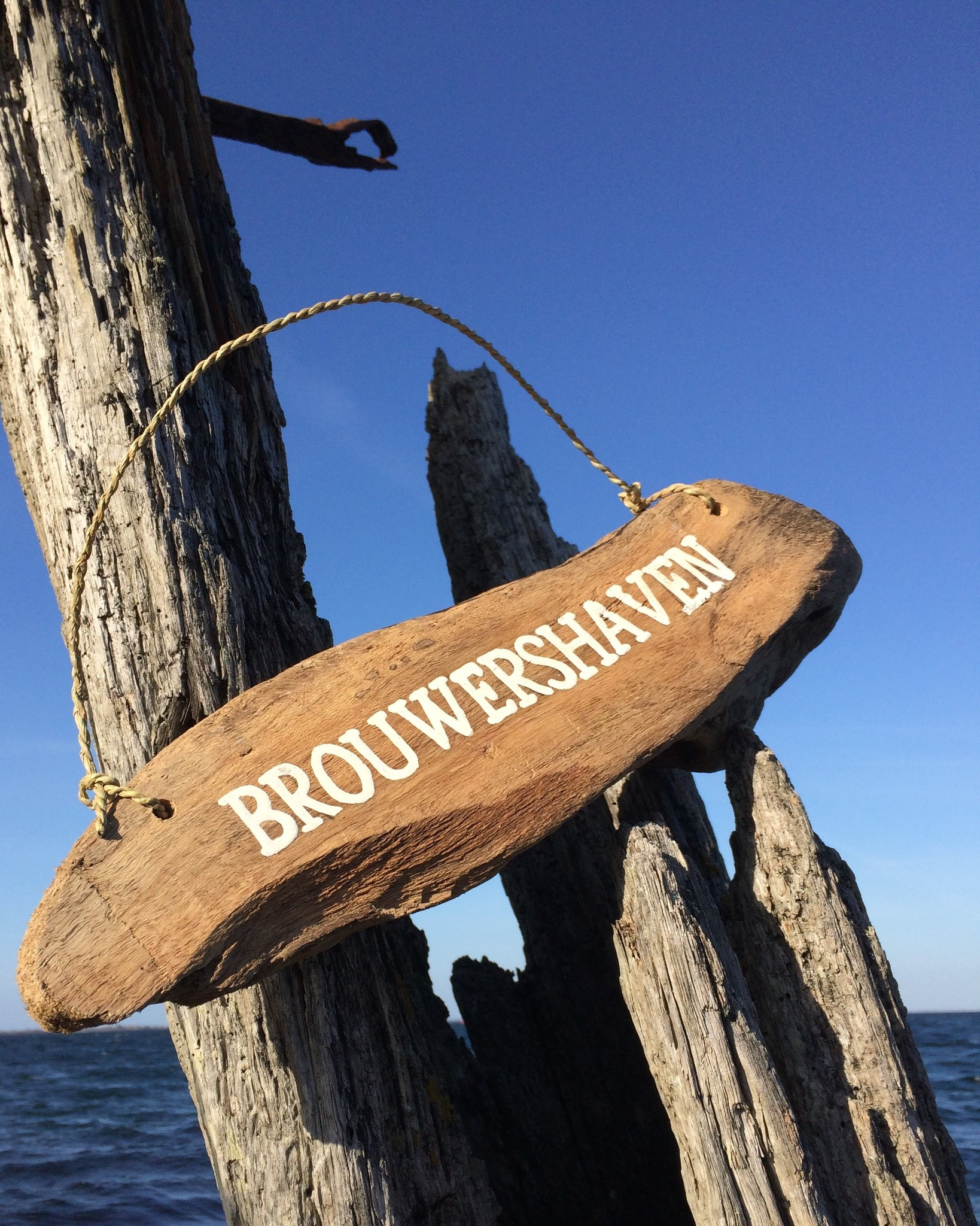 Drijfhout bord Brouwershaven