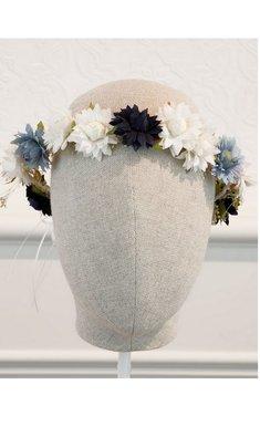 Abel & Lula bloemenkrans wit met indigo