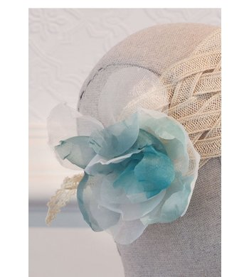 Abel & Lula raffia hoofdband met bloem blue