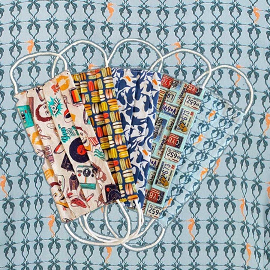 Mondkapjes met kleurrijke print