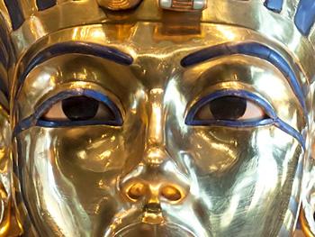Lapis in het dodenmasker van Toetanchamon