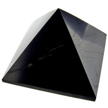 Shungite pyramid 4x4 cm