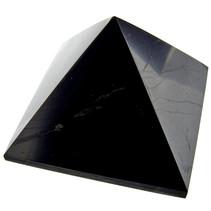 Shungite pyramide 4x4 cm