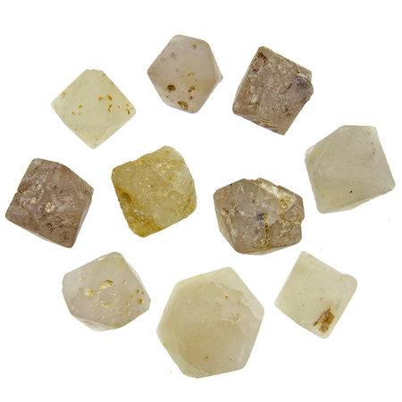 Beta quartz with symmetrical crystal formation