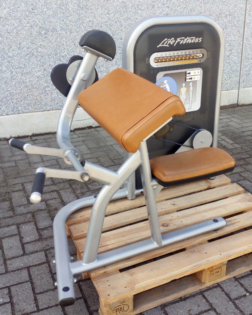 Life Fitness Circuit Series Biceps curl