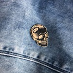 8 Ball Skull Pin (Black & Gold) by Tizieu