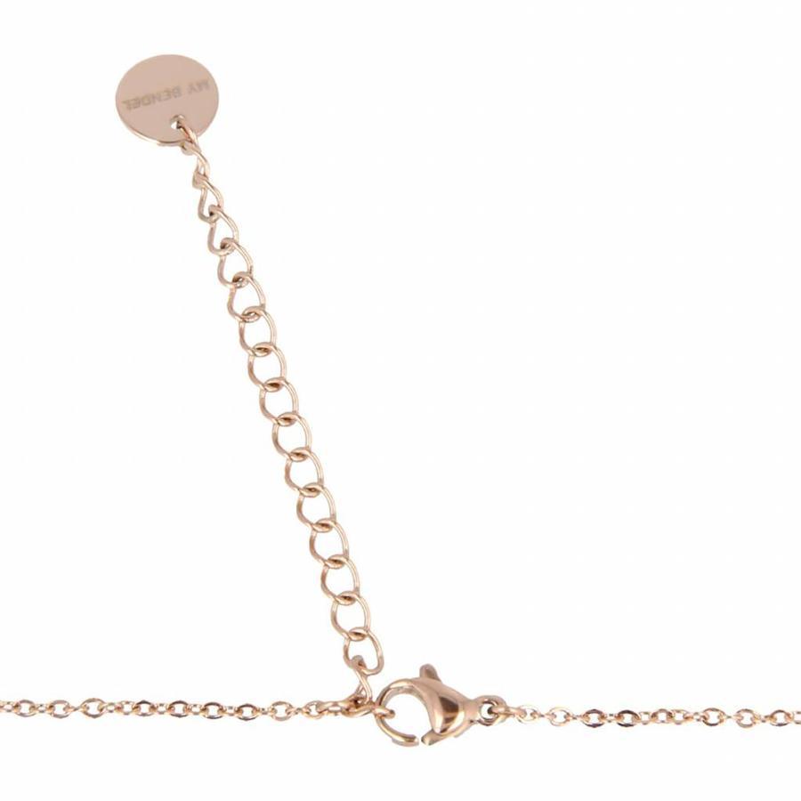 Picolo Verspielte roségold Halskette LOVE Buchstaben. Aus Edelstahl mit extra dicker Beschichtung.