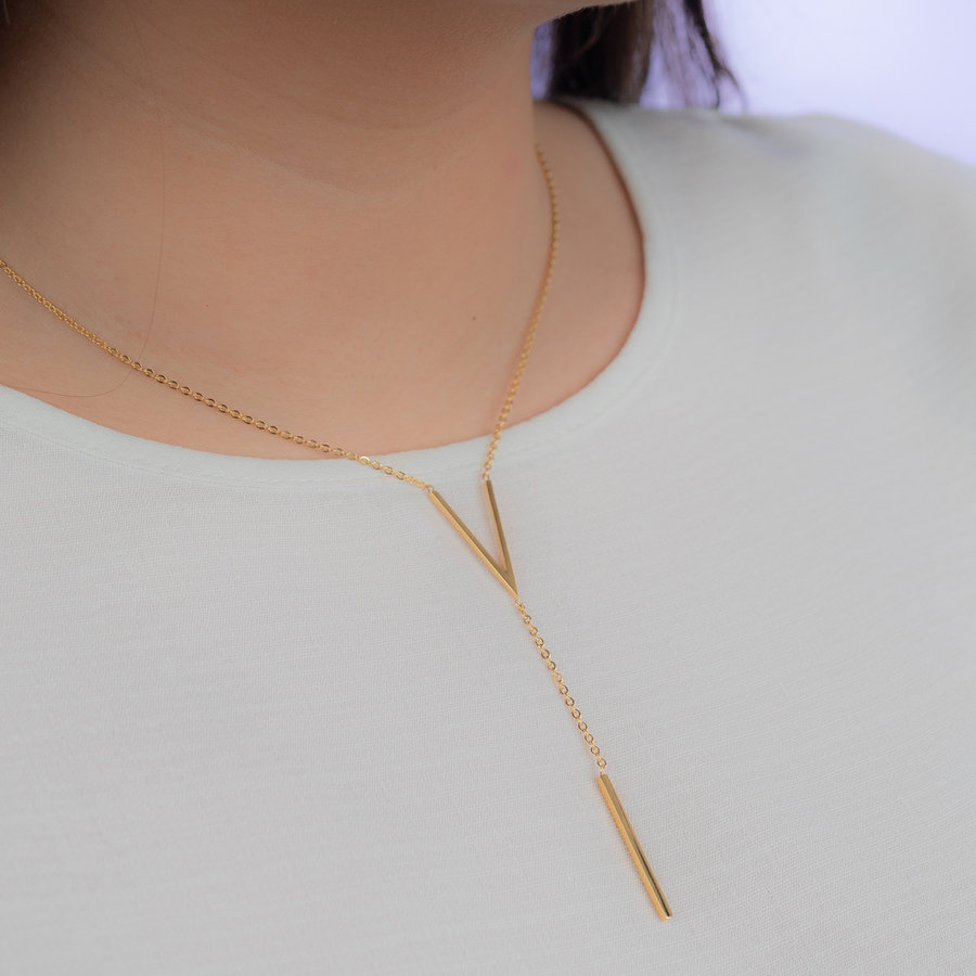 Picolo Beautiful long-lasting rose gold necklace with V symbol with extension.