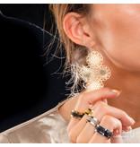 Bless 59 mm lange edelstalen oorbellen met een bloemen barok design