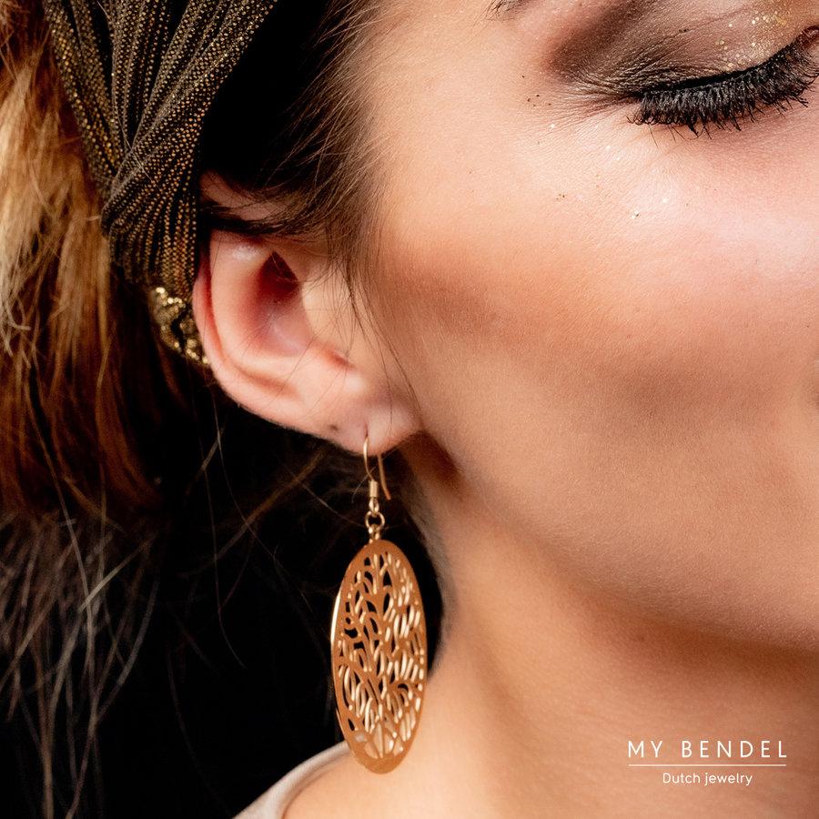 Bless Stijlvolle goudkleurige oorbellen van edelstaal in ronde barok stijl