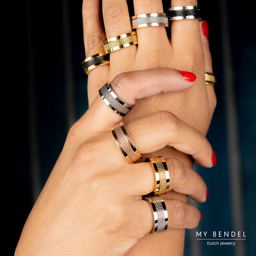 Bless Wide gold ring made of stainless steel with a black woven structure