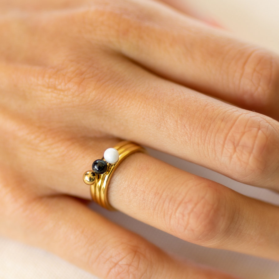Godina Ladies ring gold with 4 mm white bead