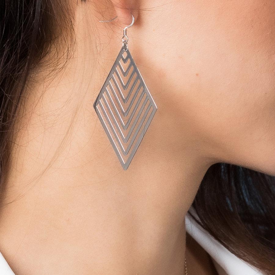 Bless Lange oorbellen in zilver met ruit hangers