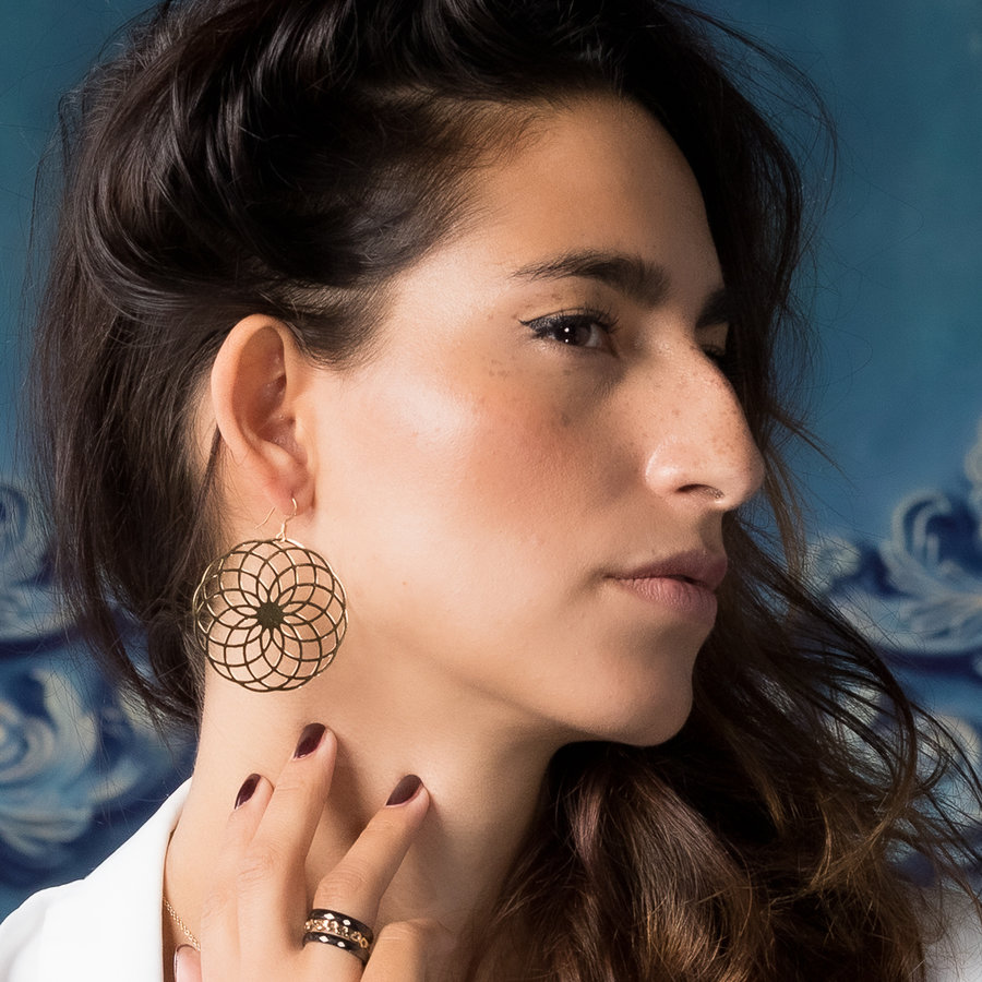 Bless Round statement earrings in gold with decoration