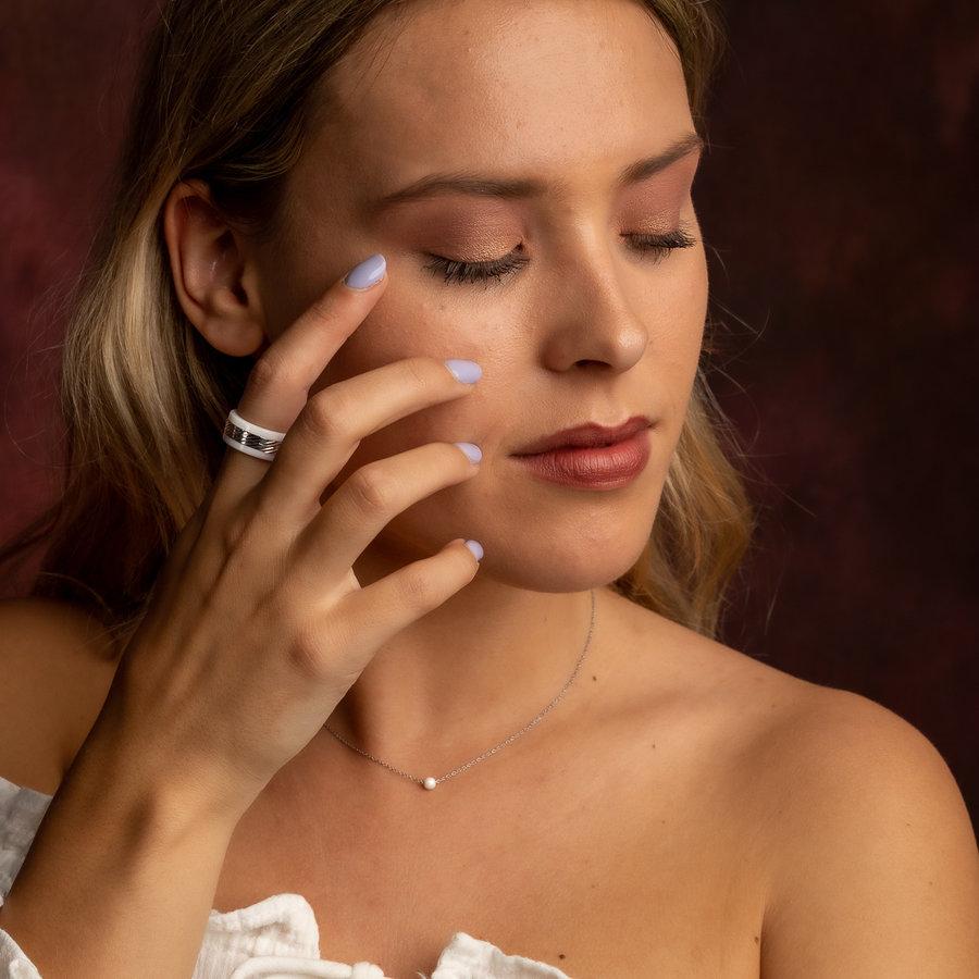 Godina Exklusiver Duo-Ring aus weißer Keramik und Edelstahl mit Streifenmotiv