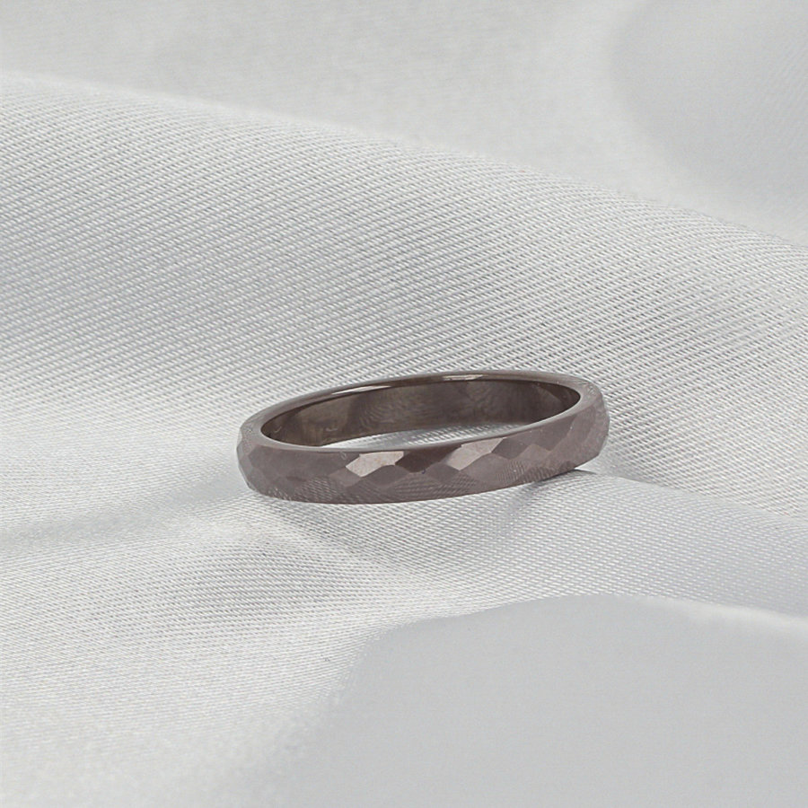 Godina Ceramic, unbreakable, beautiful gray ladies ring. Does not discolour.