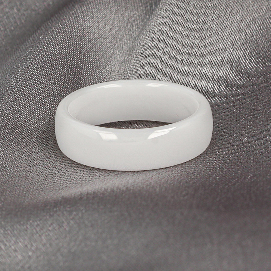 Godina Lovely lasting wide ring white. Wears wonderfully and unbreakable.
