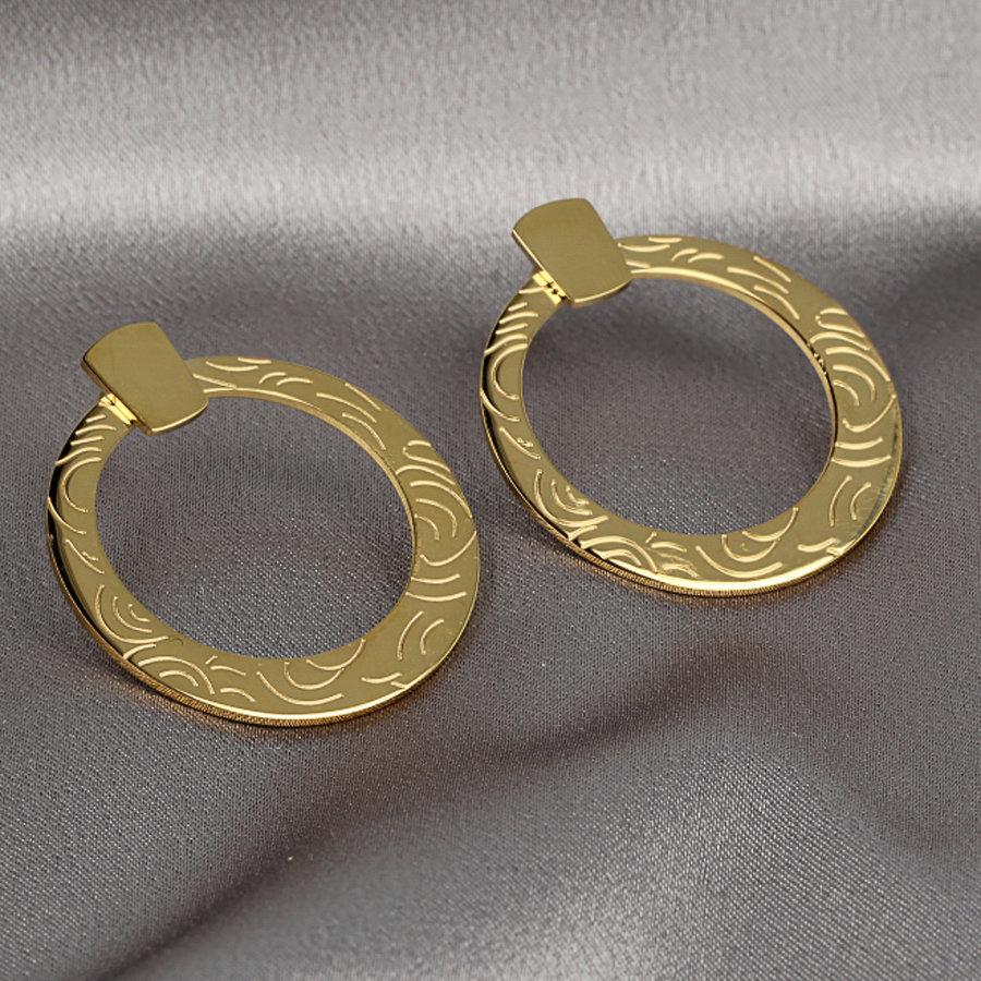 Picolo Goldene Kreisohrringe mit schöner Gravur