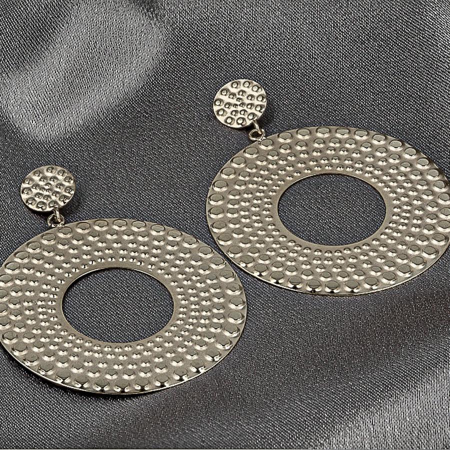 Picolo Zilveren oorbellen met ronde barok hanger