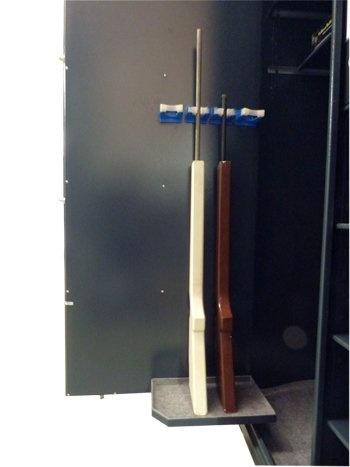 Wapenkluis 1780 S-1 voor 4 geweren en 10 legborden voor pistolen