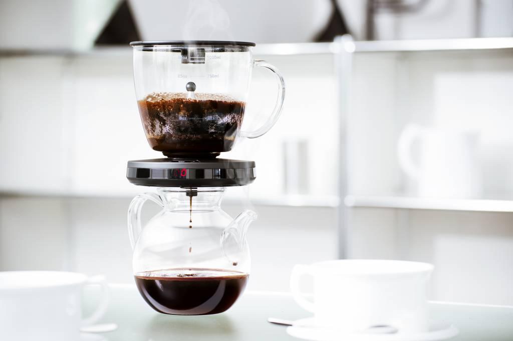 ALLES AUSSER LANGWEILIG – KAFFEE MIXER GESUCHT. EXPERIMENTAL COFFEE.