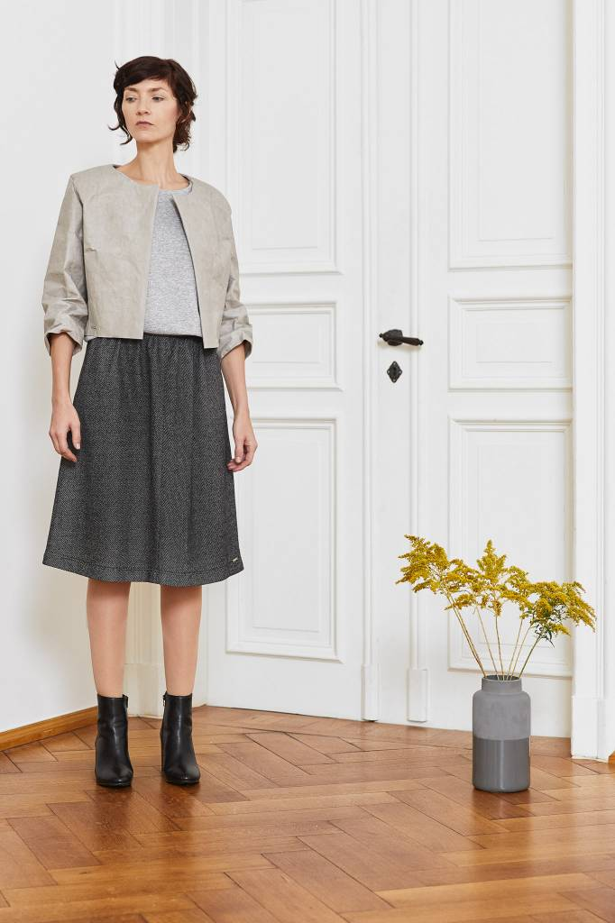 Skirt made of delicately patterned organic cotton-2
