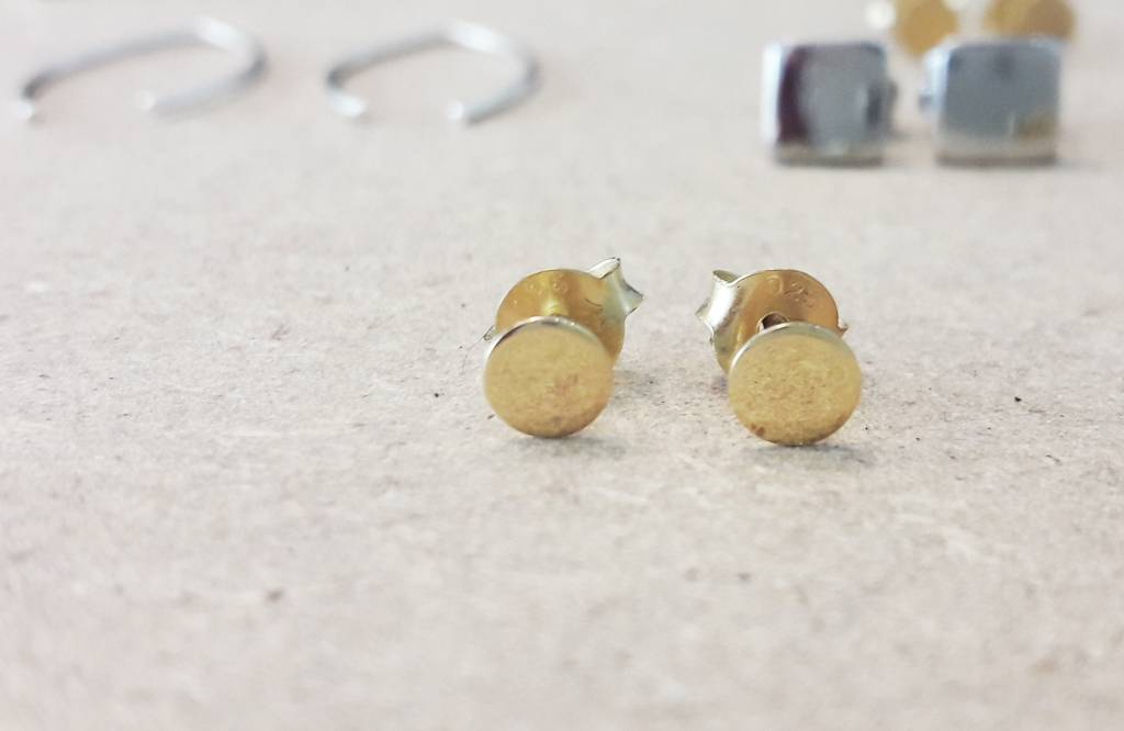 Zarter Ohrstecker rund aus 925er Sterling Silber - Gold doubliert-2