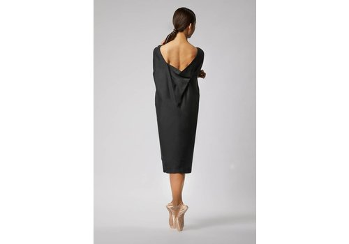 Silk dress with elegant neckline - Black