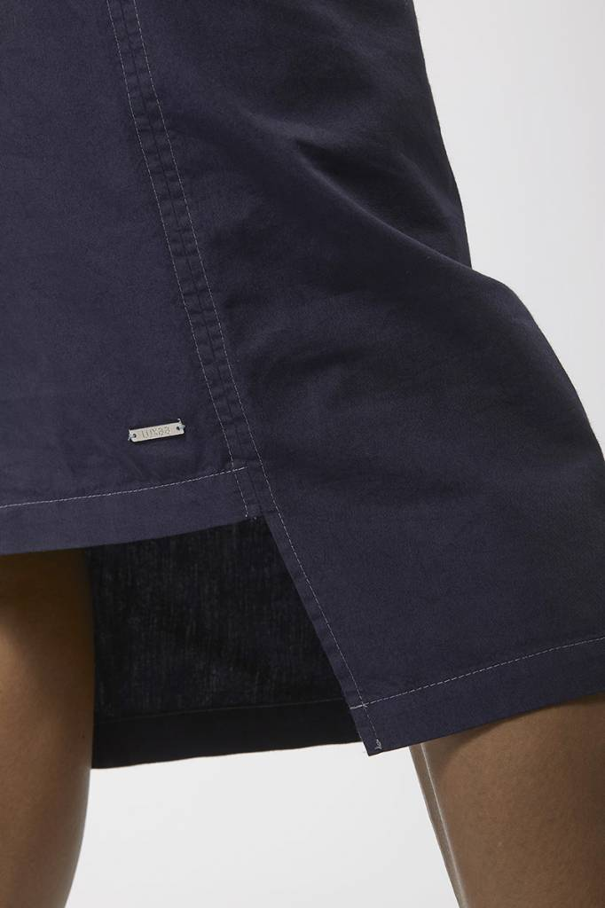 Classic dress with hem detail made from organic cotton - dark blue-5