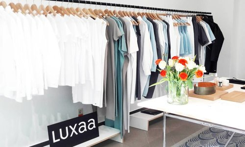 Luxaa Sample Sale