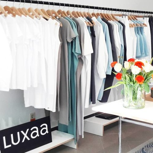 Luxaa Sample Sale