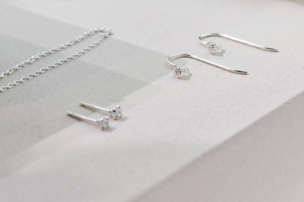Delicate bow earring with stone - 925 sterling silver-2