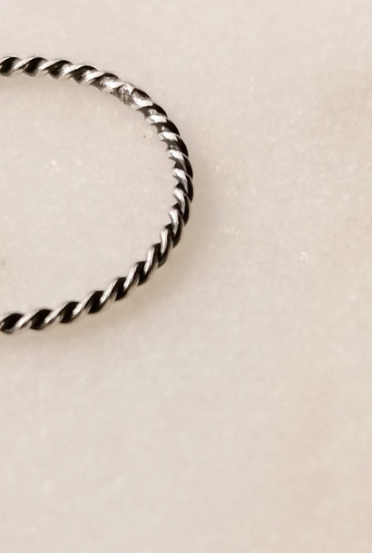 Fine braided ring of 925 sterling silver black