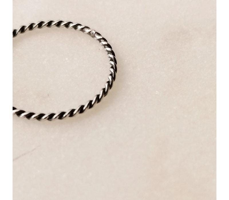 Fein geflochtener Ring aus 925er Sterling Silber schwarz